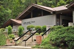 Automnes rouges d'Anna de centre d'accueil, la Géorgie Images stock