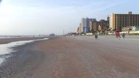 Automobiel vriendschappelijk Daytona Beach in Florida stock videobeelden