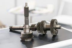 Automobieldeelproductie door heet het smeden en het machinaal bewerken proces Stock Afbeelding