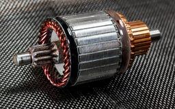 Automobielgeneratoranker op koolstofvezel stock afbeeldingen