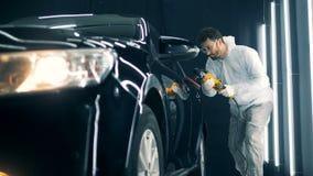 Automobil erhält mit einem buffwheel glasiert stock footage