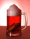 Automobil und alkoholisches Getränk stockbild