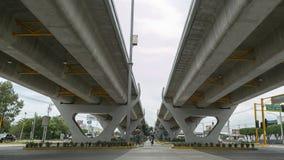 Automobilbrücke von unterhalb gesehen in YucatÃ-¡ n Lizenzfreie Stockbilder
