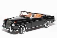 Automobile 1958 del giocattolo della scala del metallo dell'esperto in informatica del benz 220 di Mercedes Fotografie Stock Libere da Diritti