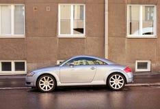 Automobile alla moda dopo pioggia Fotografie Stock Libere da Diritti