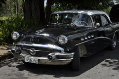 automobile americana degli anni 50 in Cuba Fotografia Stock Libera da Diritti
