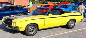 Automobile antica classica del muscolo di Oldsmobile Immagine Stock