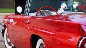 Automobile antica di colore rosso di stato di menta Immagine Stock