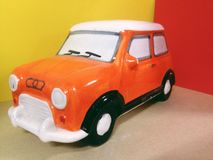 automobile arancio e bianca Fotografia Stock
