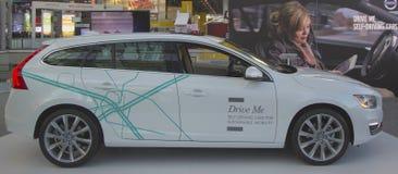Automobile auto-movente di Volvo V60 all'esposizione automatica 2014 dell'internazionale di New York Immagini Stock