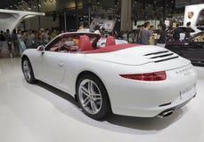 Automobile bianca di carrera di Porsche 911 Fotografie Stock Libere da Diritti