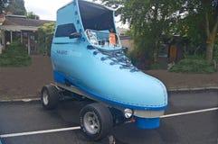 Automobile blu del pattino di rullo Fotografia Stock Libera da Diritti