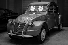 Automobile Citroen 2CV-AZ, 1956 di economia Immagini Stock
