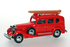 Automobile classica 1933 del giocattolo dell'autopompa antincendio del Cadillac fotografia stock