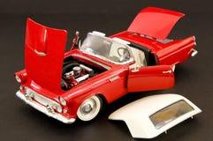Automobile classica alla moda rossa del muscolo immagini stock libere da diritti
