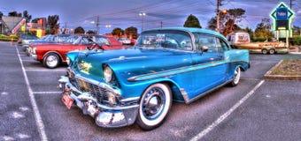 Automobile classica dell'americano degli anni 50 immagine stock libera da diritti