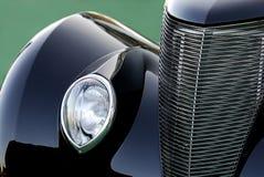 Automobile classica dell'annata nel nero: Estratto fotografia stock libera da diritti