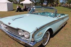 Automobile convertibile americana di lusso classica Fotografie Stock Libere da Diritti