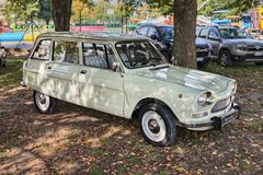 Automobile d'annata della rottura degli ami 8 di Citroen degli anni 70 Fotografie Stock