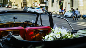 Automobile d'annata di nozze Fotografia Stock
