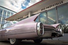 Automobile d'annata in un garage Fotografia Stock