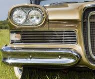 Automobile d'annata, vista frontale Fotografie Stock Libere da Diritti