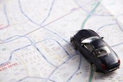 Automobile del giocattolo sul programma fotografia stock libera da diritti