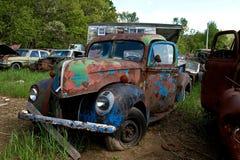 Automobile del Junkyard immagine stock