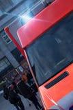 Automobile dell'ambulanza con le luci d'avvertimento infiammanti Fotografia Stock Libera da Diritti