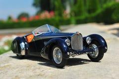 Automobile dell'automobile scoperta a due posti dello Sc Corsica di Bugatti 57 retro fotografia stock