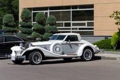 Automobile dell'automobile scoperta a due posti di Excalibur Fotografie Stock Libere da Diritti