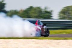 Automobile della deriva di BMW M6 immagine stock libera da diritti