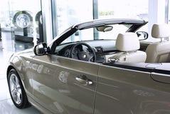 Automobile della sala d'esposizione Immagine Stock