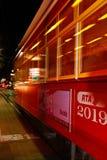 Automobile della via di New Orleans alla notte Fotografie Stock