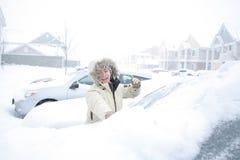 Automobile dello Snowy Immagini Stock Libere da Diritti