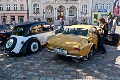 Automobile der Weinlese Volvo P1800 E und Adler Stockbilder