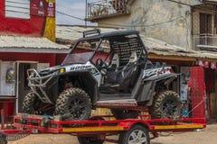 Automobile di Allroad nel Madagascar Fotografia Stock Libera da Diritti