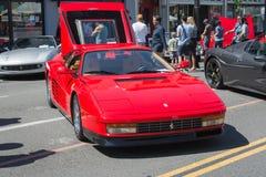 Automobile di Ferrari Testarossa su esposizione immagini stock