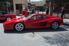 Automobile di Ferrari Testarossa su esposizione immagini stock libere da diritti