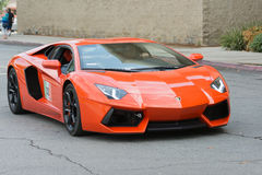Automobile di Lamborghini Aventador su esposizione immagini stock