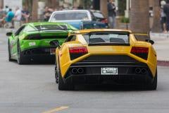 Automobile di Lamborghini Huracan e di Lamborghini Gallardo su esposizione fotografia stock