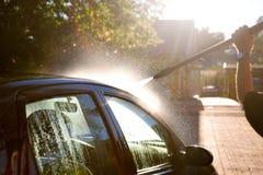 Automobile di lavaggio dell'uomo Fotografia Stock