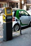 Automobile di potere verde fotografia stock libera da diritti
