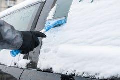 Automobile di pulizia da neve Immagini Stock Libere da Diritti