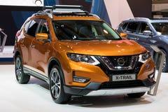 Automobile di SUV dell'incrocio del compatto di Nissan X-Trail fotografia stock libera da diritti