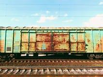 Automobile di trasporto sulla ferrovia Fotografia Stock Libera da Diritti