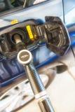 Automobile diesel di rifornimento di carburante (Europa) Fotografie Stock Libere da Diritti