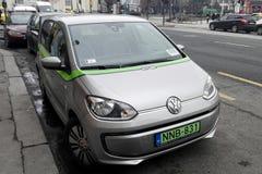 Automobile dividente pubblica elettrica a Budapest Fotografia Stock Libera da Diritti