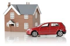 Automobile e casa Fotografia Stock Libera da Diritti