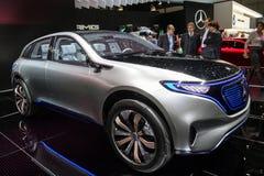 Automobile elettrica di concetto di SUV Mercedes Benz EQ immagine stock libera da diritti